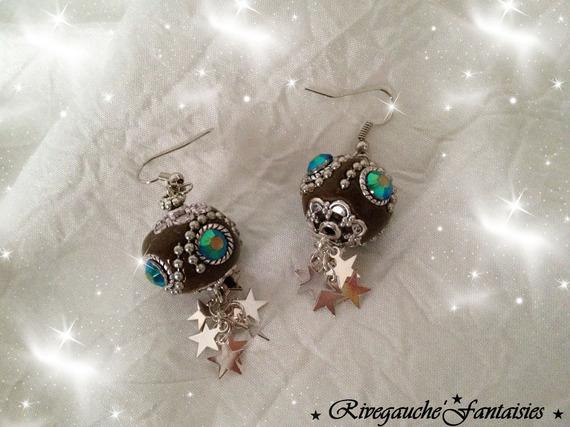 Boucles d'oreille  pendantes perles indonésiennes