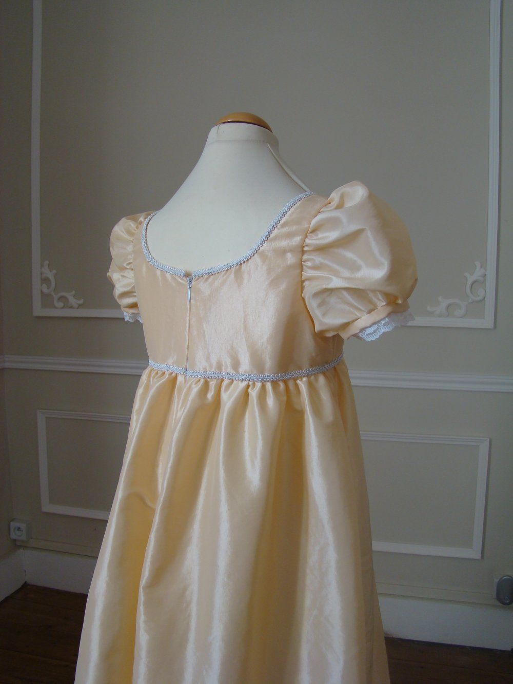Robe Fille Style 1er Empire En Taffetas Du 7 Au 12 Ans Un Grand Marche