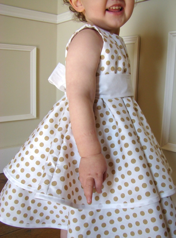 Robe fille de cérémonie 4 au 6 ans en coton blanc à pois beige