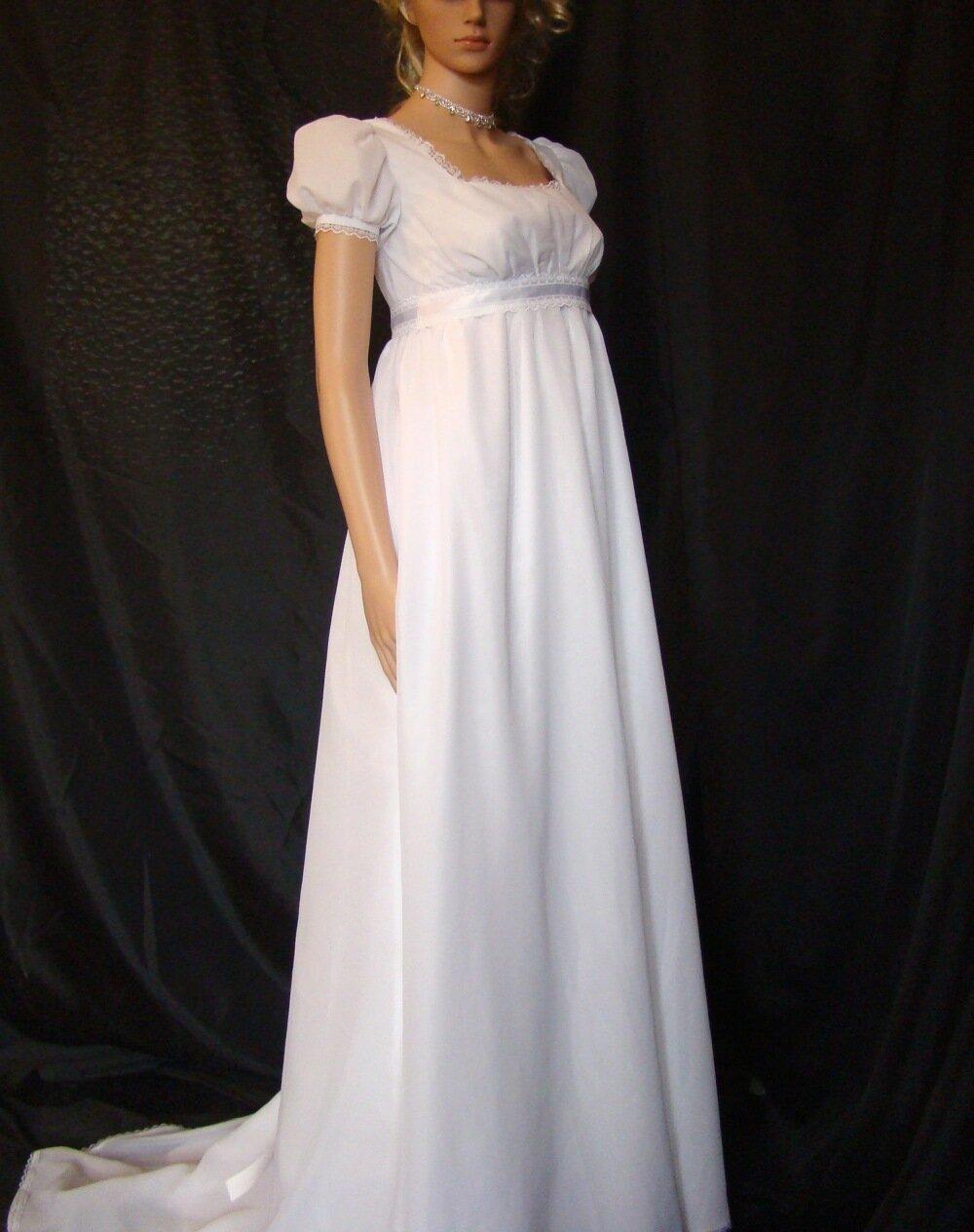 Robe de mariée 1er empire en mousseline et