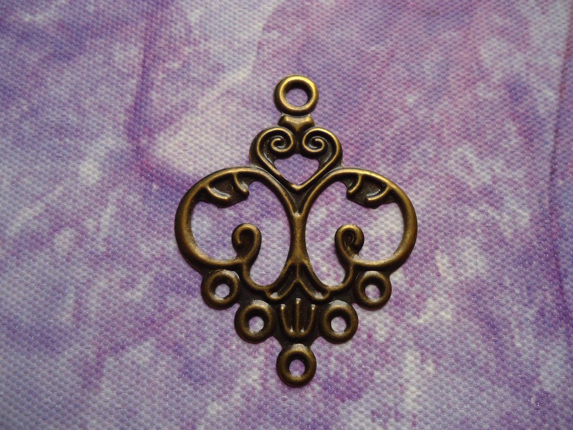 Grand connecteur bijoux forme coeur et fleur en lot de 10