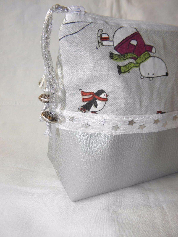 Trousse de toilette en simili cuir argent et tissu coton avec ours et pingouins