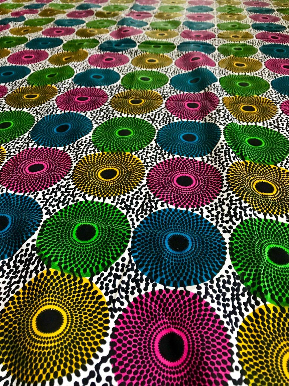 Tissu Wax - Cercles Multicolores , Fond Blanc - Véritable Wax Block Prints Hitarget