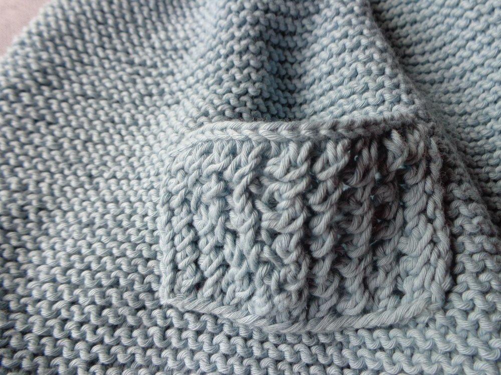 Robe à bretelles 3/4 ans,fil coton bleu,poches,pt mousse,printemps été,tricoté main,boutons,enfant fille,tricot fille,Ryrysecréati