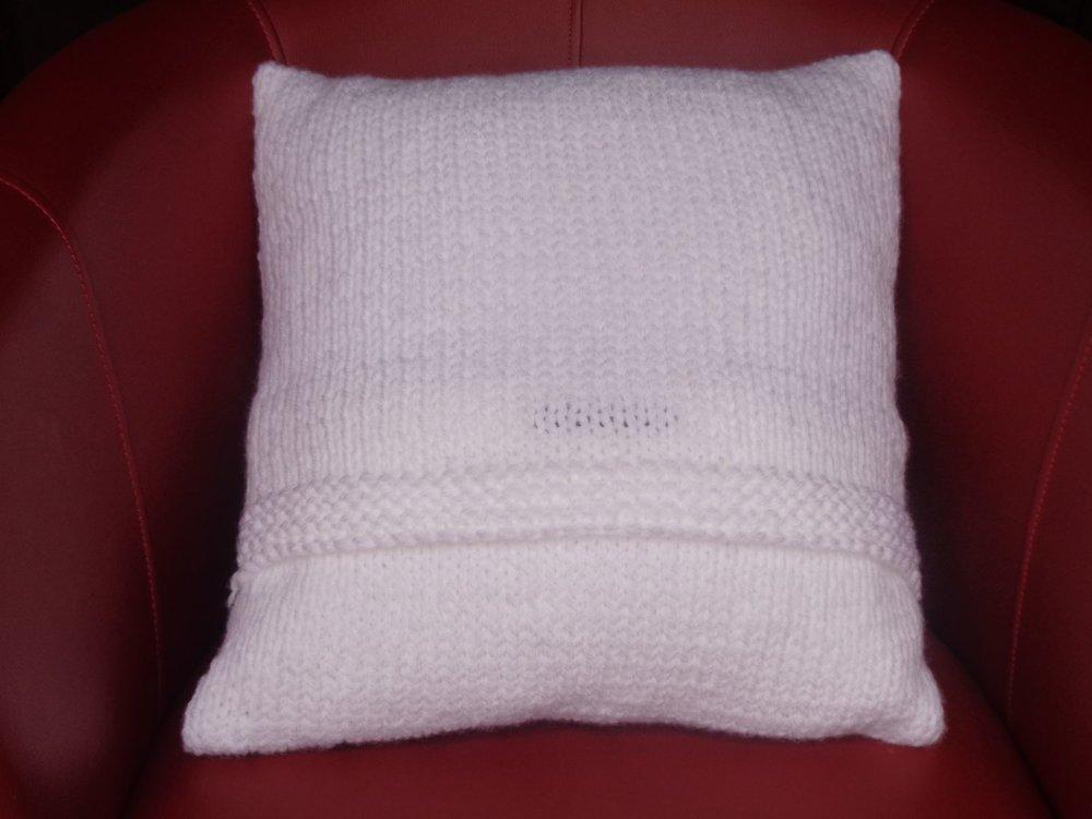 Coussin lignes géométriques + housse 40x40cm,blanc noir,laine acrylique,housse déhoussable,cadeau pour elle,RyryseCréations,