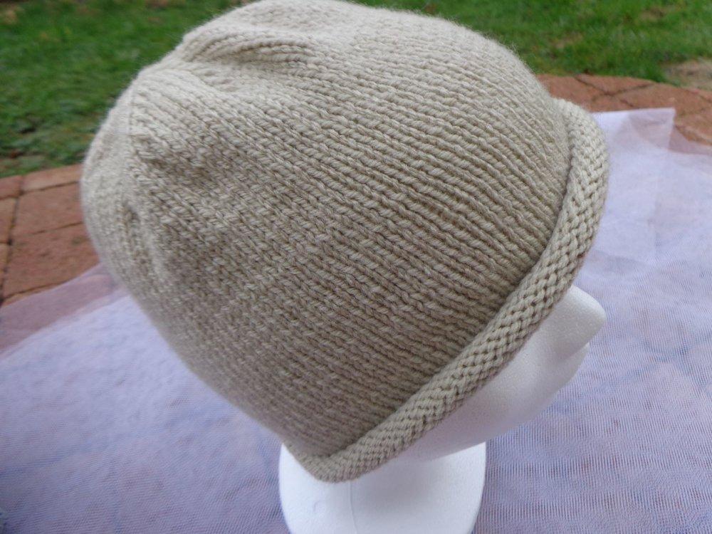 Bonnet femme fantaisie,différents coloris,laine acrylique,pt jersey,cadeau pour elle,automne hiver,bonnet d'hiver,RyryseCréatio