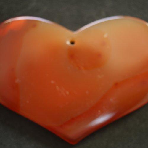 Grand pendentif en agate forme coeur