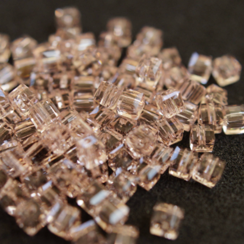 20 cubes cristal de 3 mm n15