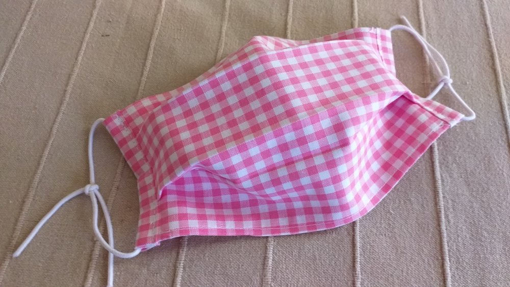 masque de protection adulte tissus coton rose et blanc a carreaux façons AFNOR