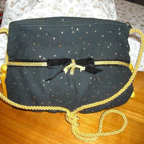 Petit sac de soirée noir avec pois dorés