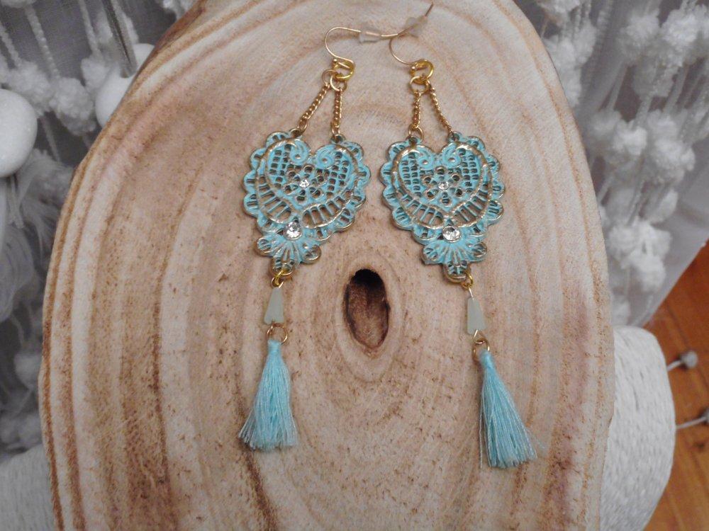 """Boucles d'oreilles """" Hammam  """" métal doré avec patine turquoise clair , perles et pompons menthe"""