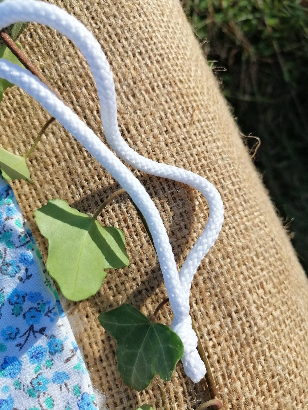 Lot de 2 sacs à vrac zéro déchet de 2 tailles upcycling fleurs bleues et blanches