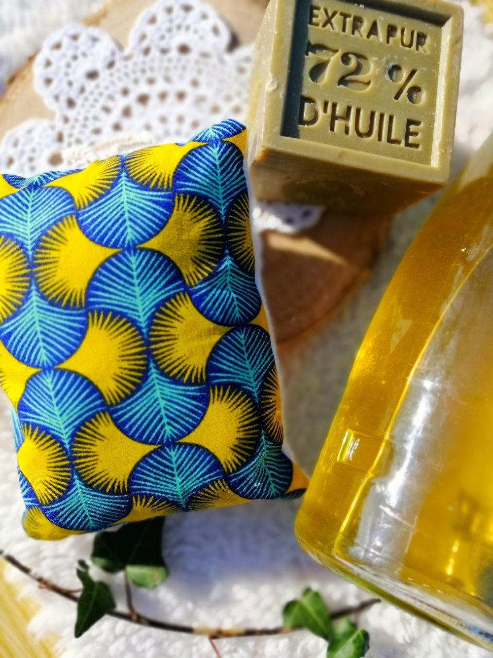Eponge lavable en wax bleu et jaune et micro éponge de bambou bio