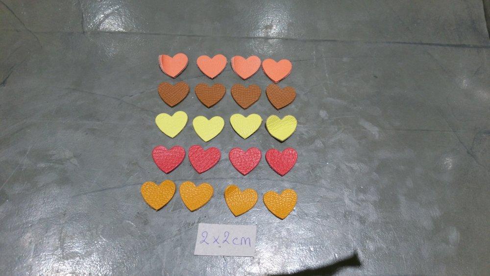 découpes coeur en cuir X 20
