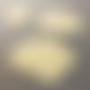 Lot de 3 découpes scrapbooking embellissements nuages beiges