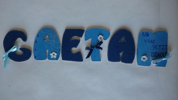 lettres prénom en bois , lettre en bois, plaque de porte personnalisé , 8cm