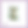 Découpe scrapbooking lanterne dorée et branche de houx, noël, hiver, fêtes en couleurs - ref.2493