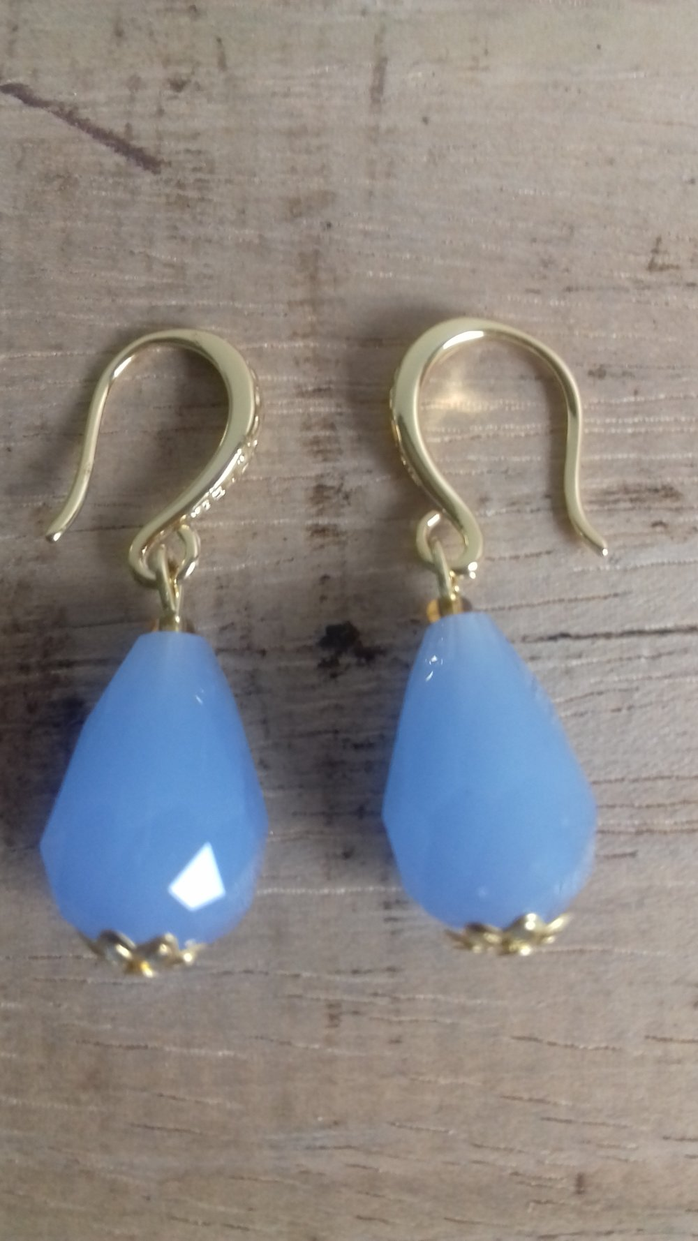 Boucles d'oreilles gouttes bleu ciel