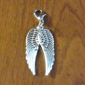 pendentif argenté aile d/'ange 30x10