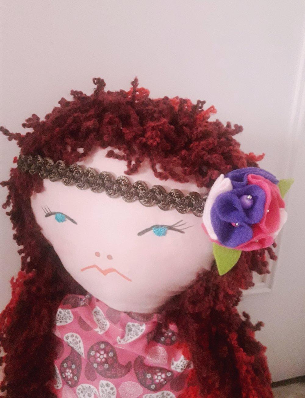 Serre-tête/head band/ fleur en feutrine/galon de passementerie/rose fuchsia violet