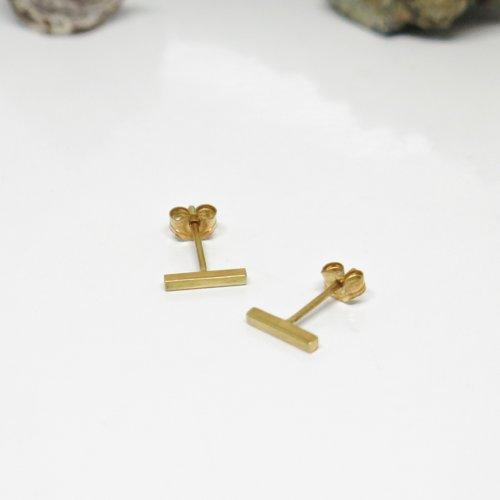 Puces d'oreilles barre argent massif plaqué or 18k. petites boucles d'oreilles vermeil. bijoux de créateur
