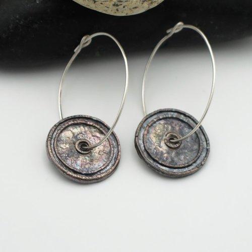 Créoles  argent massif 950 oxydé. boucles d'oreille style celtique. fait main en france. boucles d'oreille disques en argent massif 950