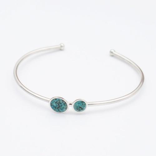 Bracelet de manchette ovale argent massif. bracelet jonc turquoise. pierres bleues naturelles. bijou minimaliste personnalisé