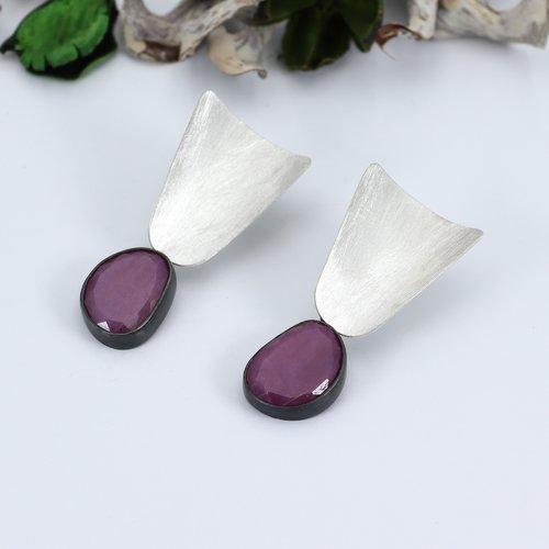 Boucles d'oreilles saphir rose argent massif noir. boucles d'oreilles longues et pendantes. bijoux de créateur. fait main en france