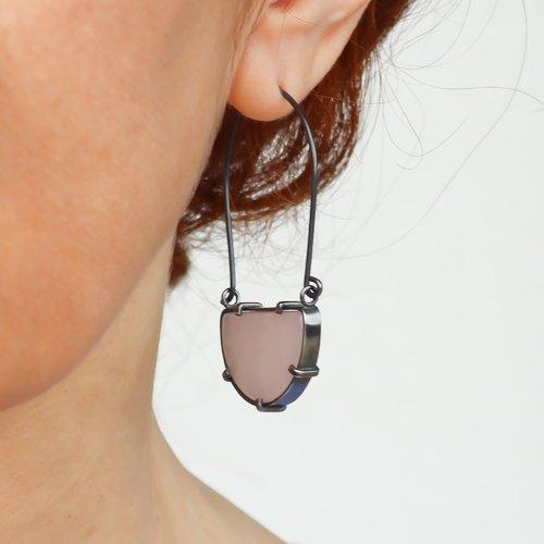 Boucles d'oreilles argent noir quartz rose demi lune, créoles larges demi cercle, bijoux artisanaux de créateur