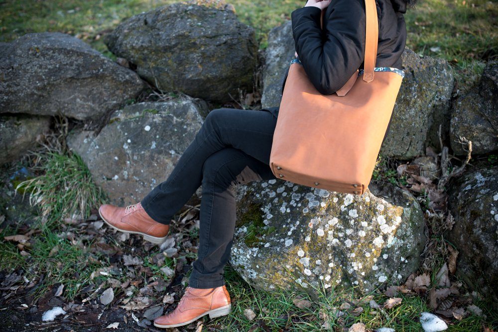 "Grand sac à main en cuir marron ""Ctoutmoi"""