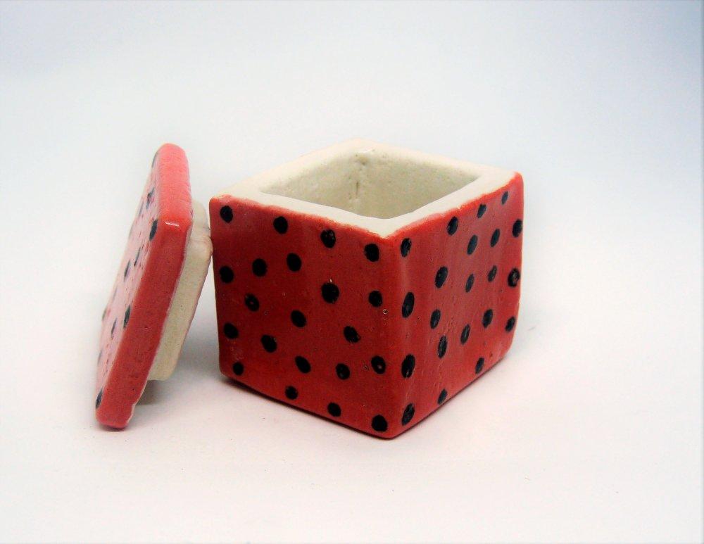 Petite Boîte céramique rose-rouge à pois