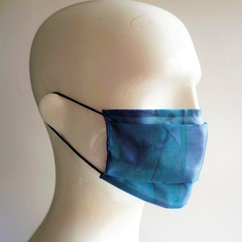 Masque en soie peint main