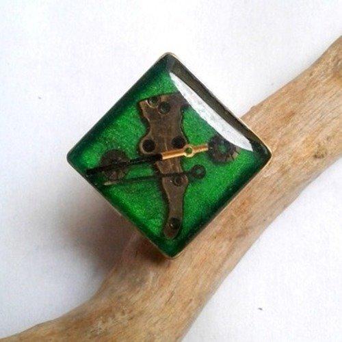 Bague  artisanale style steampunk mécanismes de montres