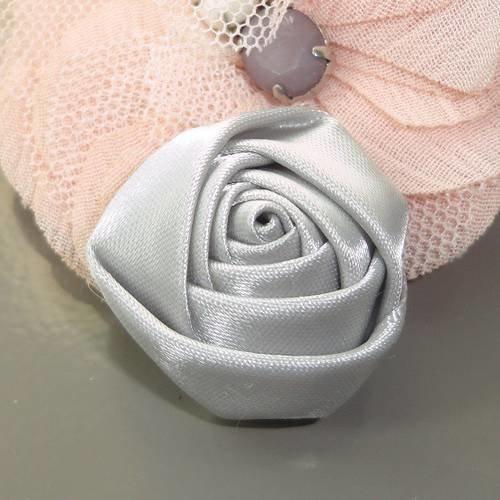 Fleur tissu bouton de rose satin gris 30 mm