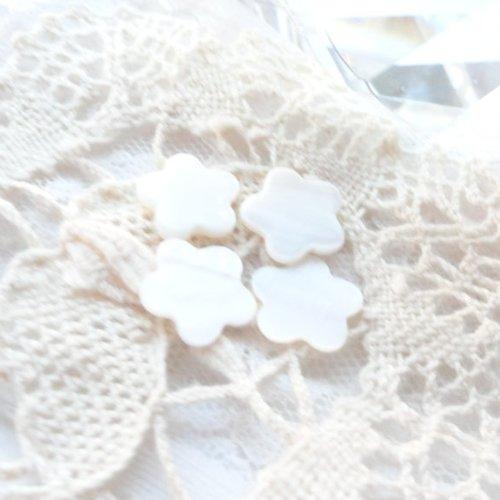 Cabochon fleur en nacre, perle fleur, nacre naturelle, cabochon, coquillage,