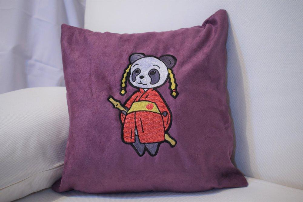 Coussin Panda en Kimono Brodé