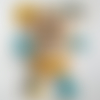 Doudou chien rigolo en polaire, minky et coton - h : 28 cm - jaune, turquoise, beige