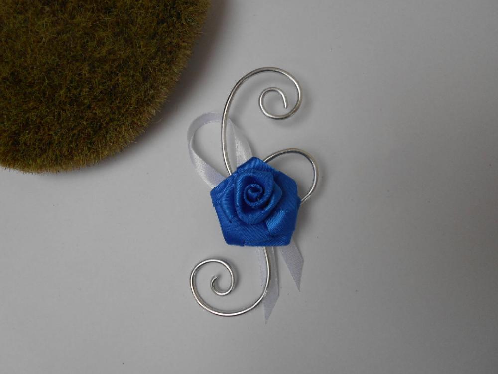 Boutonnière, broche pour mariage - bleu marine et blanc