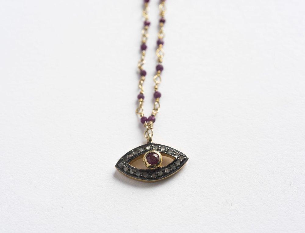 Collier sur chaîne rosaire en Calcédoine ruby et pendentif incrusté de Diamants