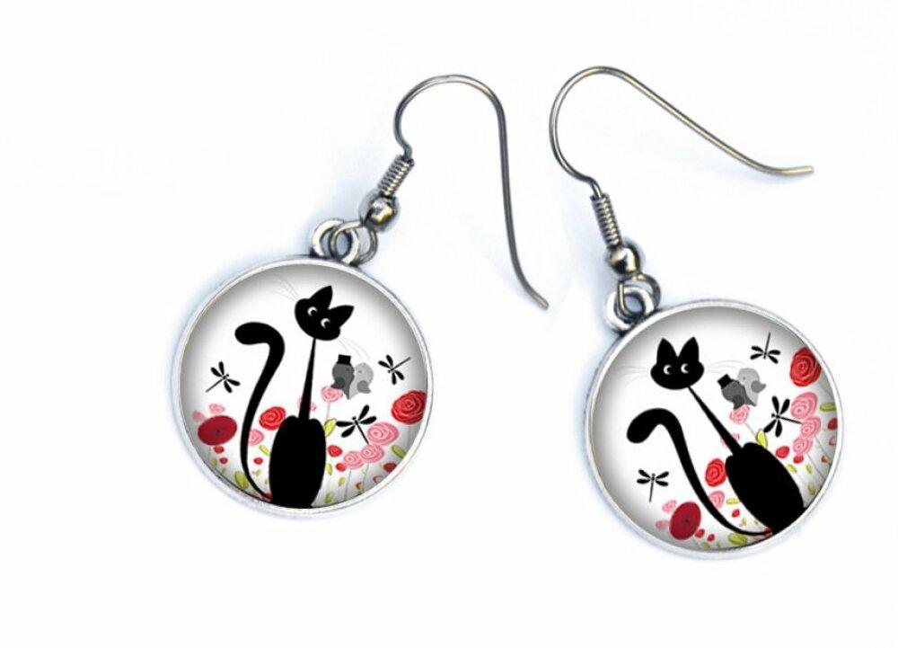 Boucles D'oreilles chat noir,fleurs rouges ( coquelicots) sur fond blanc 14