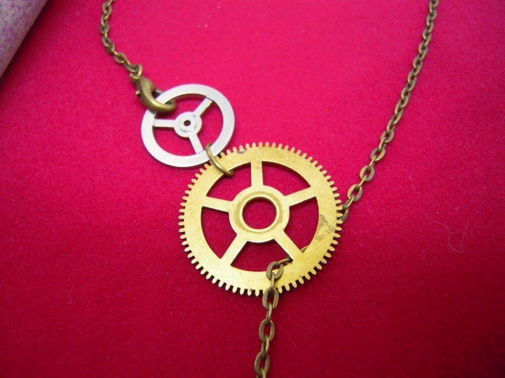 Collier Steampunk grenouille , engrenages d'horloge ancienne , collier original A522