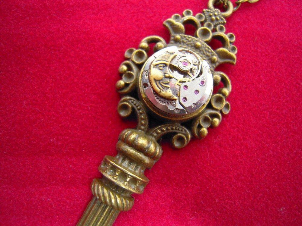 Collier la Clé d'Alice, collier clé et lune,mécanisme de montre A524
