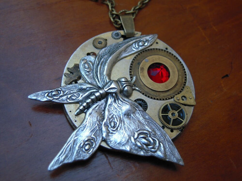 Pièce Unique papillon steampunk cristal Swarovski ,sur mécanisme de montre gousset, réversible  ref A 497