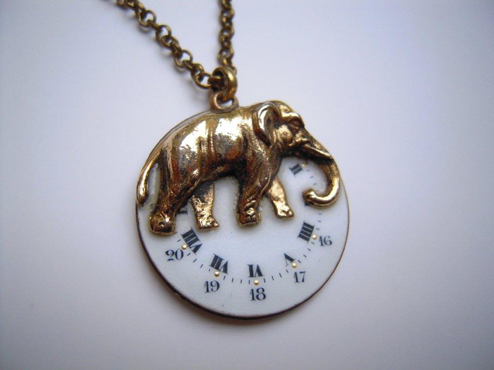 Collier éléphant réversible sur cadran de montre gousset , Pièce Unique Ref A 556