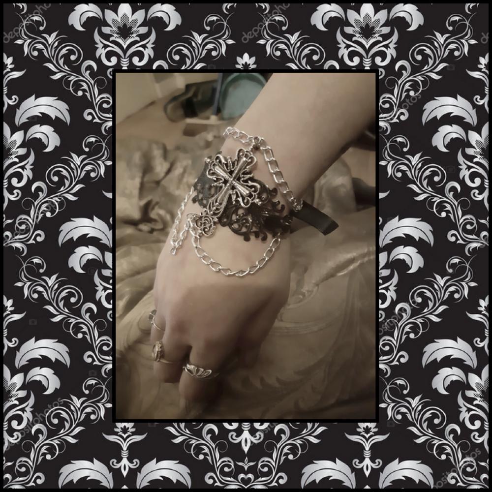 Bracelet Manchette Bijou Accessoire Unique Gothique Médiéval Victorien Croix Burlesque Dark Vampire Argent Ruban