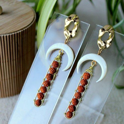 Boucles puces d'oreille croissant de lune en nacre, graine rudraksha, bijoux spirituel, œil de shiva, puce or, nacre, demi lune