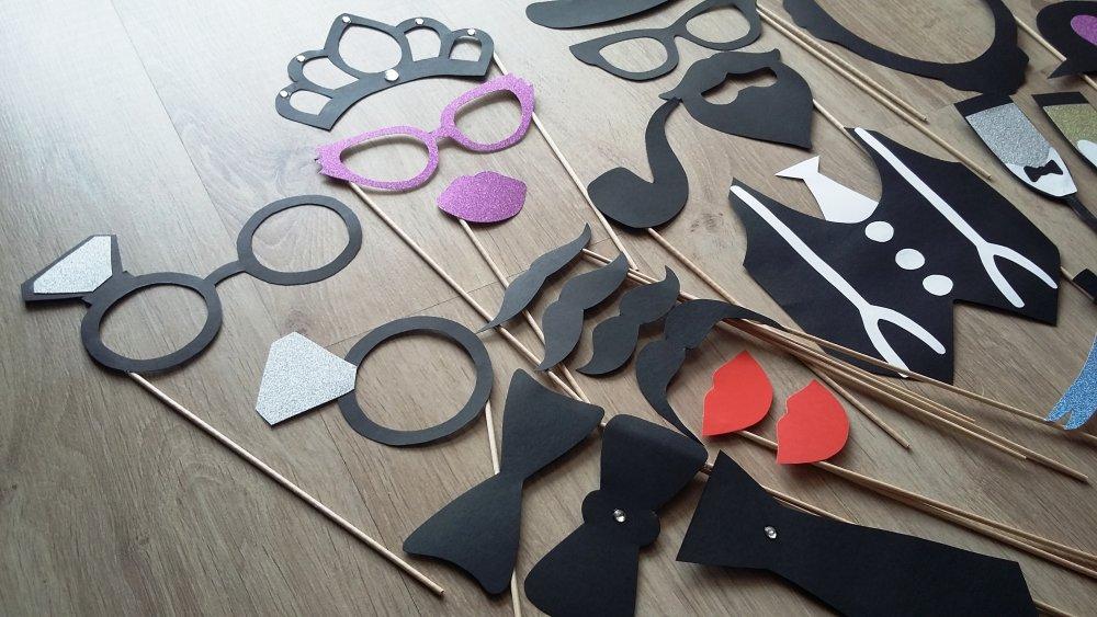 Accessoires photobooth x 26 pour un mariage avec strass