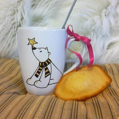 Mug ours polaire en céramique décoré à la main noir et or