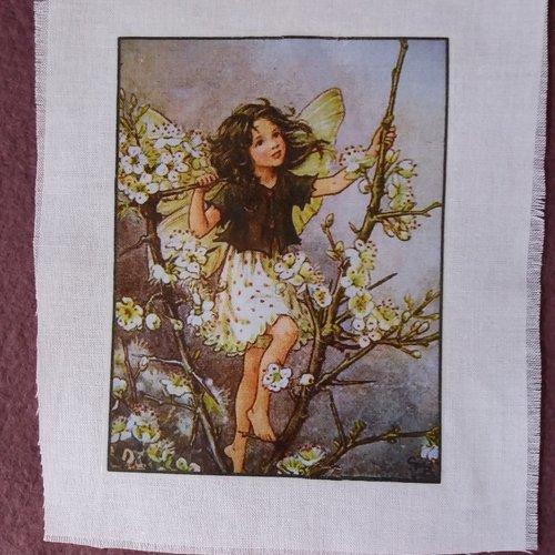 Customisation textile - transfert petite fée fleurettes blanches, créations textiles, collages, embellissements, tous loisirs créatifs