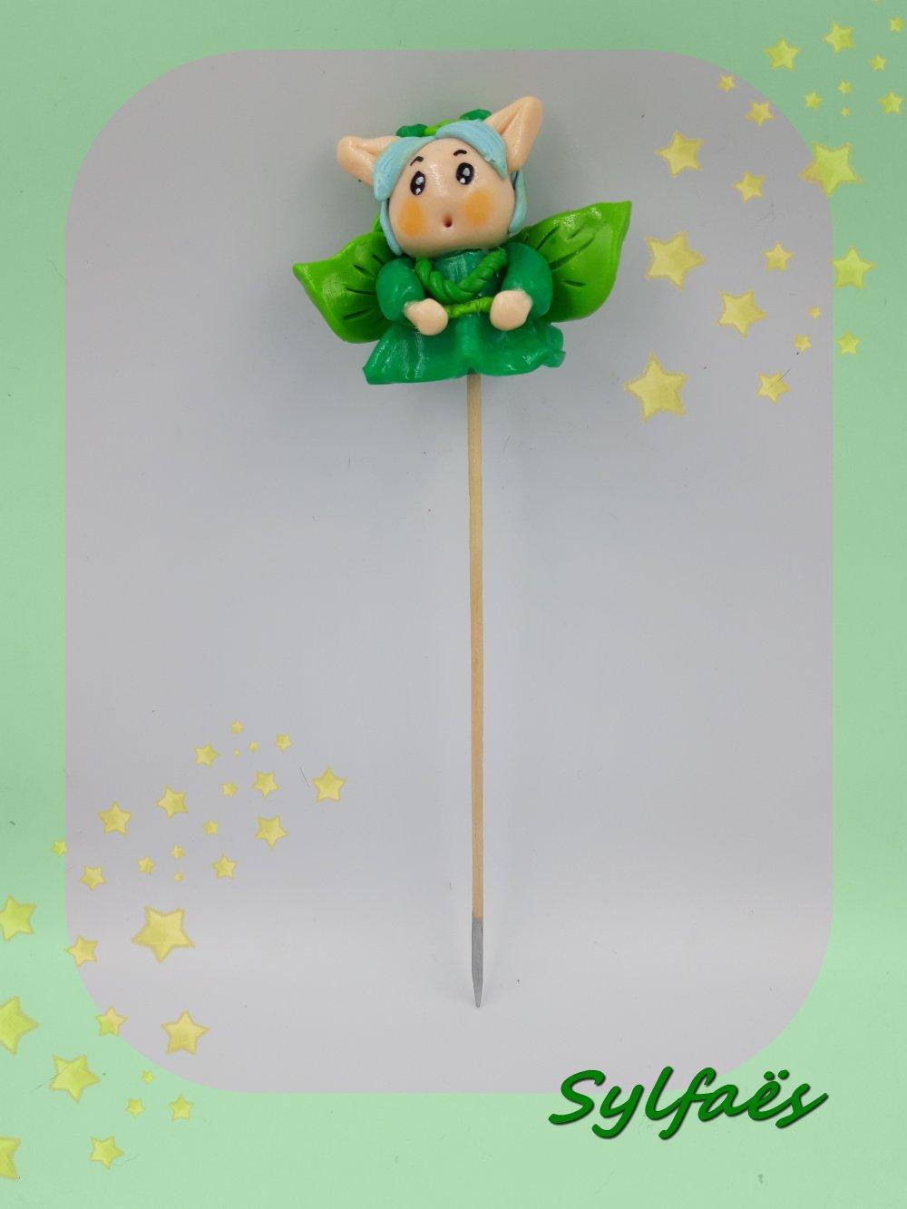 Petit elfe du printemps sur pique pour jardinière